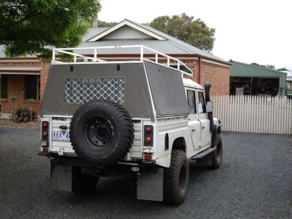 Defender 130 wheel carrier